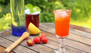 Cocktail 'Un Peu Fraise dans les Coings'