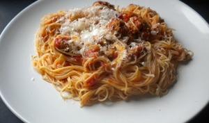 Spaghettis à la saucisse italienne