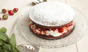 Gâteau aux fraises, sauce au limoncello et vinaigre balsamique