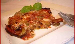 Mille-feuille d'aubergines au fromage de chèvre.