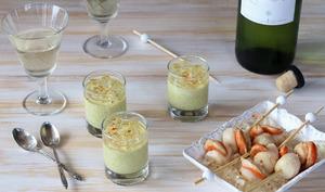 Verrines d'asperges, gelée de vin blanc et brochettes de Saint jacques