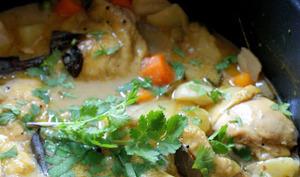 Marmite de curry de poulet aux légumes
