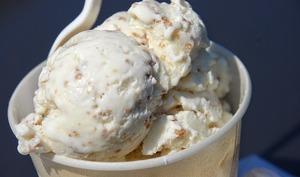 Crème glacée aux noix de Grenoble