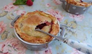 Mini-pies aux fraises-basilic et caramel au vinaigre balsamique