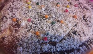 Gâteau moelleux aux poires, à la vanille et aux fleurs d'oranger