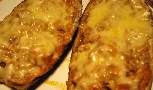 Aubergines farcies à la ricotta, fromage de chèvre doux, parmesan