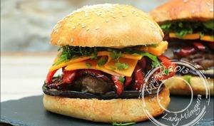 Burger oriental au bœuf, aubergine, poivron et cumin