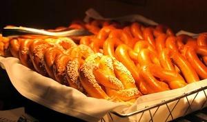 Bretzels, salés, snackings, buns, hot dog..