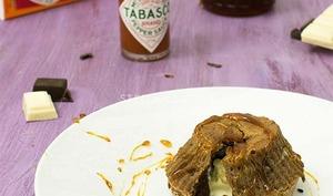 Coulants aux deux chocolats et crème caramel au Tabasco