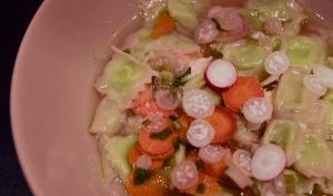 Ravioles du dauphiné en bouillon safrané aux crevettes et aux petits légumes