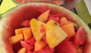 La salade de fruits désaltérante pastèque, melon et passion
