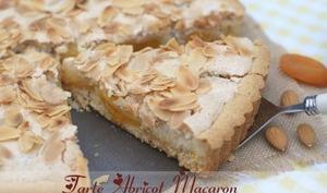 Tarte aux abricots et sa couche de macaron