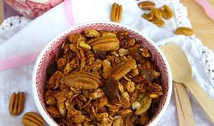 Granola façon pecan pie et raisins secs