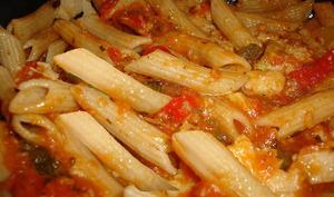 Macaronis aux aubergines et tomates, au romarin