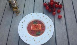 Crème de tomates confites aux herbes, saumon et pistaches croquantes