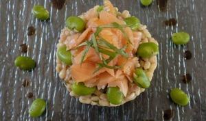 Salade de blé aux fèves et au saumon fumé