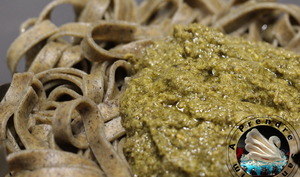 Tagliatelles fait maison au basilic et pesto