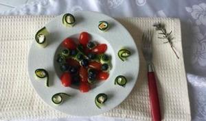 Salade myrtilles, tomates et courgettes