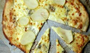 Pizza mozzarella, gorgonzola et poire