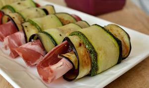 Rouleaux de légumes à la coppa et chèvre frais