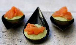 Cheesecakes apéritifs aux avocats et saumon