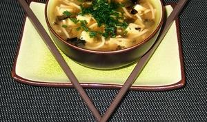 Soupe asiatique aux algues