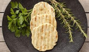 Petits pains plats aux fines herbes