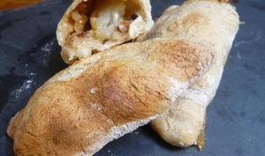 Panzerottis italiens au gorgonzola, poire et noisettes torrefiées