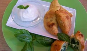 Barbajuans aux blettes et citron confit et son espuma de Ricotta au citron et poivre du Penja