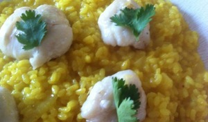 Joues de lotte rôties au four. Risotto au curcuma