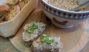 Beurre de sardines au citron confit et au piment d'Espelette