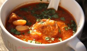 Soupe épicée à la saucisse et aux haricots