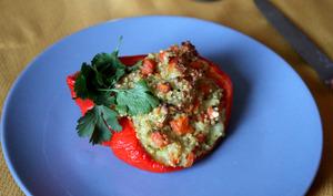 Poivrons farcis aux carottes, courgettes, quinoa & crème de Roquefort