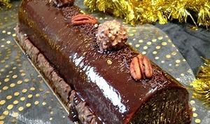 Bûche noix, praliné et chocolat