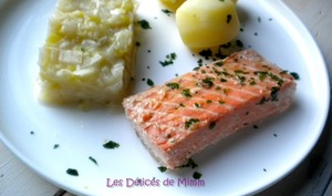 Filets de truite saumonée confits à l'huile d'olive et fondue de poireaux