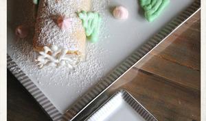 Roulé de Noël à la confiture de fraises
