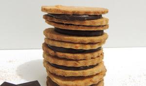 Biscuits sablés fourrés comme des Princes