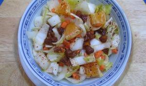 Salade d'endives et carottes à l'orange et aux abricots secs