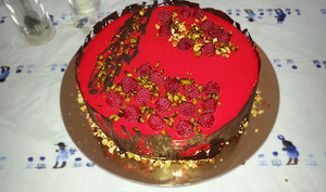 Entremet mousse framboise, mousse chocolat blanc vanille rose