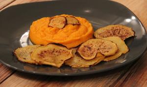 Purée de carotte au lait de coco et chips de Rutabaga