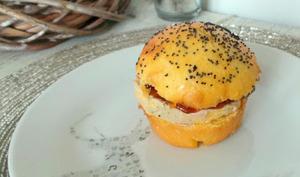 Petits burgers briochés au foie gras et au chutney de figues