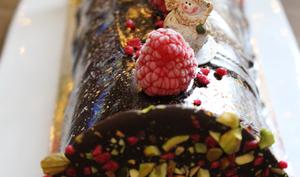 Bûche mousse chocolat, Insert framboises