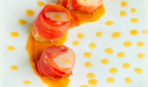 Bouchées de saint jacques et jambon fumé, caramel d'orange et potiron aux épices