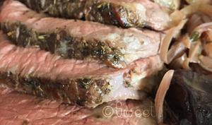 Le rôti de boeuf basse température au vin et pruneaux
