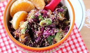 Salade froide de quinoa et légumes d'hiver