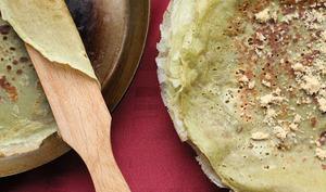 Crêpes bretonnes au thé matcha et à la Bénédictine