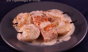 Saumon et Saint-Jacques en brochettes de vanille et sauce vanillée