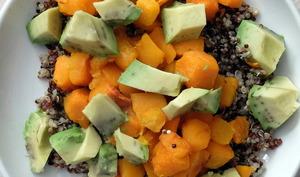 Salade quinoa, avocat et butternut