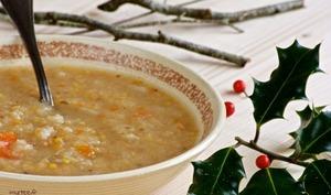 Une soupe au chou et pruneau