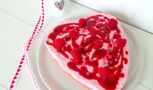 Cheesecake rose sans cuisson aux framboises et biscuits roses de Reims